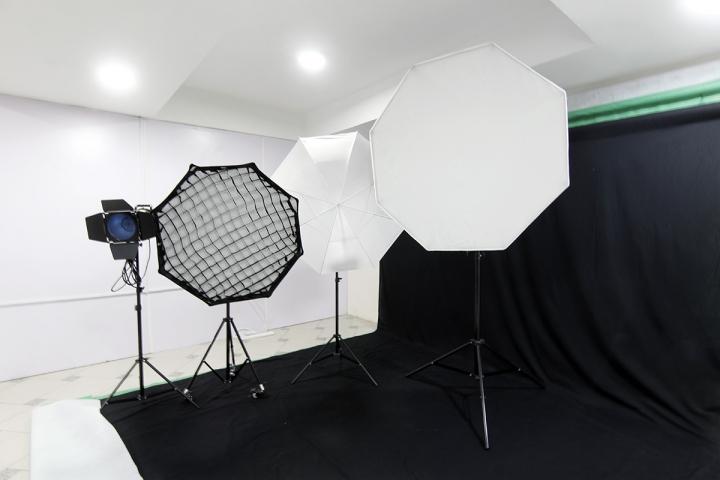 Elite Studio Nigeria - Photo Studio Hire Allen Avenue, Ikeja